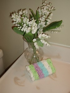 displaying eyelet cloths