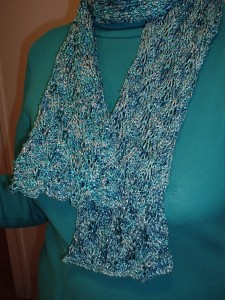 Scarf in spangle yarn