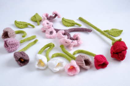 Pretty knitted flowers